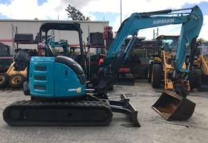 AX55U 2015 5.5 Tonne Excavator Canopy Model with Hydraulic Hitch Piping