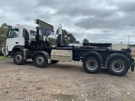 2003 Volvo Hook lift FM 12  - picture3' - Click to enlarge