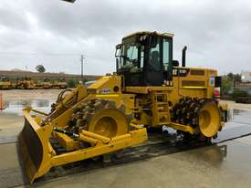 Caterpillar 815F2 - picture2' - Click to enlarge