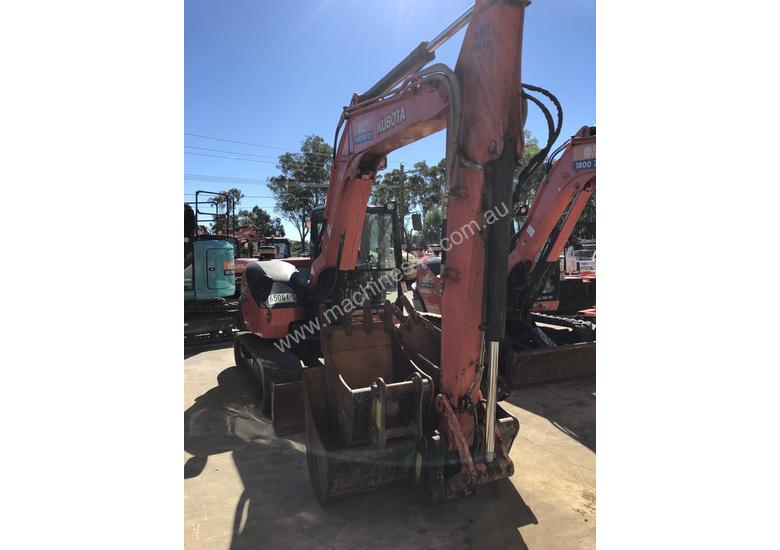 2015 8 Tonne Excavator Kubota KX080 in Good Condition with 1813 Hours
