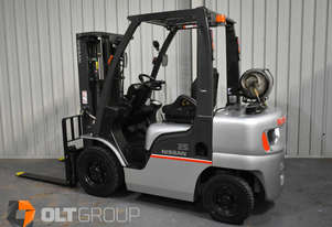 Nissan 2.5 Tonne Forklift Container Mast LPG 4.3m Lift Height Digital Load Indicator