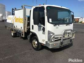 2009 Isuzu NPR 300 Med - picture1' - Click to enlarge