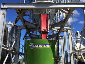 Faresin PF Series Feed Mixer Hay/Forage Equip - picture0' - Click to enlarge