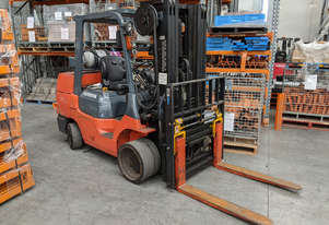 Gas Forklift - Toyota - 3150kgs