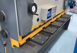 USED CMT 4MM CAPACITY | 2500MM LENGTH  HYDRAULIC OVERDRIVEN GUILLOTINE