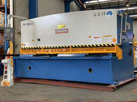 STEELMASTER INDUSTRIAL 3200mm x 12mm Heavy Duty Hydraulic Guillotine Power Backgauge - picture0' - Click to enlarge