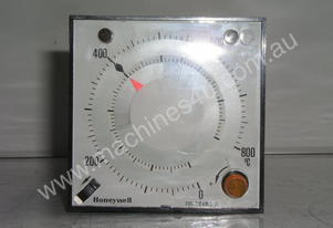 Honeywell 7424-1-30000-021 Process Controller.