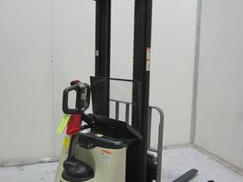 Crown 1.25M4000TL4000 CROWN CERTIFIED Forklift