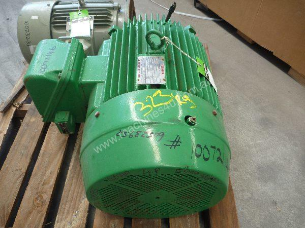 TOSHIBA 40HP 3 PHASE ELECTRIC MOTOR/ 1480RPM