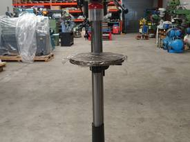 � 16mm Capacity Pedestal Drill - picture2' - Click to enlarge