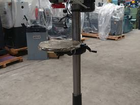 � 16mm Capacity Pedestal Drill - picture3' - Click to enlarge