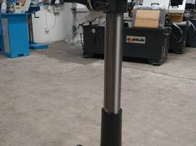 � 16mm Capacity Pedestal Drill - picture12' - Click to enlarge