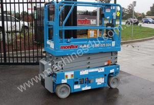2015 Genie GS1932 Narrow Electric Scissor Lift