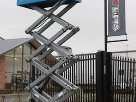2015 Genie GS1932 Narrow Electric Scissor Lift - picture3' - Click to enlarge