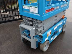2015 Genie GS1932 Narrow Electric Scissor Lift - picture11' - Click to enlarge