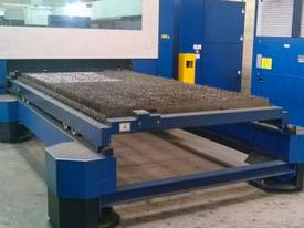 Trumpf Trumatic L3050 5kW (2004) - picture4' - Click to enlarge