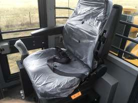 Brand New Mountain Raise Machinery Wheel Loader - picture7' - Click to enlarge
