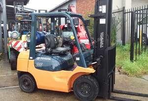 Toyota 7FG25 Forklift 6000mm lift 3 Stage Mast Side Shift Fresh Paint