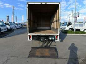 2010 MITSUBISHI CANTER FUSO Pantech   - picture5' - Click to enlarge