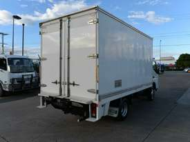 2010 MITSUBISHI CANTER FUSO Pantech   - picture6' - Click to enlarge