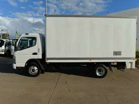 2010 MITSUBISHI CANTER FUSO Pantech   - picture17' - Click to enlarge