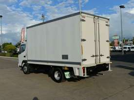 2010 MITSUBISHI CANTER FUSO Pantech   - picture19' - Click to enlarge
