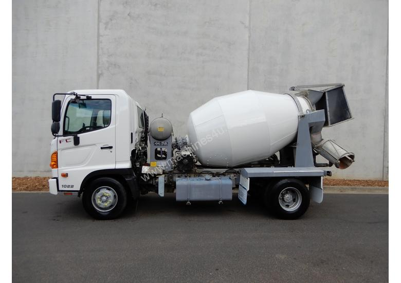 Hino FC 1022-500 Series Cab chassis Truck