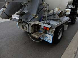 Hino FC 1022-500 Series Cab chassis Truck - picture4' - Click to enlarge