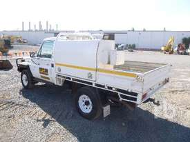 TOYOTA LANDCRUISER Ute - picture3' - Click to enlarge