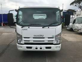 Isuzu NPR200 Tray Truck - picture1' - Click to enlarge