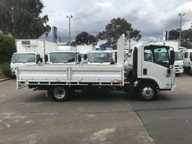 Isuzu NPR200 Tray Truck - picture7' - Click to enlarge