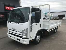 Isuzu NPR200 Tray Truck - picture2' - Click to enlarge