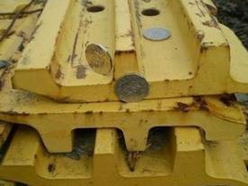 Komatsu D155 Triple Bar Growsers FULL SET - picture0' - Click to enlarge