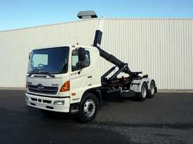 2008 Hino FM 2627 16 Ton Hooklift Truck - picture1' - Click to enlarge