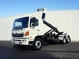 2008 Hino FM 2627 16 Ton Hooklift Truck - picture0' - Click to enlarge