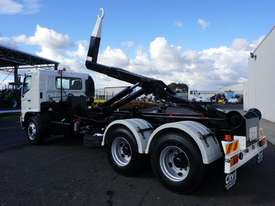 2008 Hino FM 2627 16 Ton Hooklift Truck - picture7' - Click to enlarge