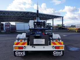 2008 Hino FM 2627 16 Ton Hooklift Truck - picture13' - Click to enlarge