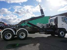 2008 Hino FM 2627 16 Ton Hooklift Truck - picture14' - Click to enlarge