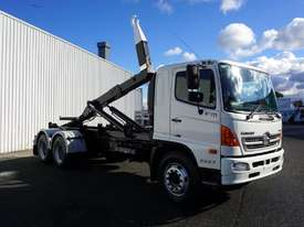 2008 Hino FM 2627 16 Ton Hooklift Truck - picture15' - Click to enlarge