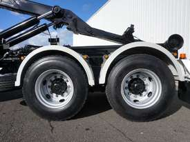 2008 Hino FM 2627 16 Ton Hooklift Truck - picture17' - Click to enlarge