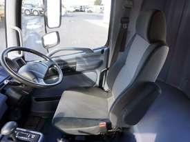 2008 Hino FM 2627 16 Ton Hooklift Truck - picture10' - Click to enlarge