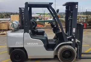 Used Forklift:  UG1F2A30DU Genuine Preowned Nissan 3t