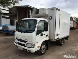 2013 Hino 300 616 - picture2' - Click to enlarge