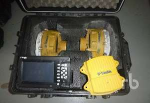 Trimble   CB460 GPS