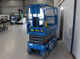 Scissor Lift - 19' (7.79m) Narrow Electric  - picture2' - Click to enlarge
