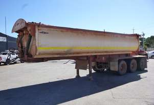 2010 Howard Porter Tri Axle Side Tipping Lead Trailer