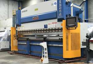 3200mm x 135Ton Graphical 2 Axis CNC Servo Driven & DSP Laser Guards