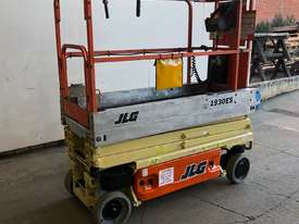JLG 1930ES ELECTRIC SCISSOR 5 YEAR COMPLIANCE - picture1' - Click to enlarge