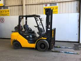 KOMATSU FG30T-16 FORKLIFT - picture0' - Click to enlarge