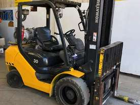 KOMATSU FG30T-16 FORKLIFT - picture1' - Click to enlarge